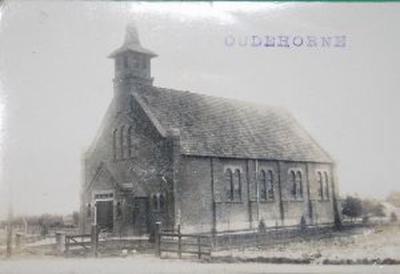 Oudehorne, fotokaart van de Gereformeerde Kerk, vermoedelijk van kort na de bouw (1924).