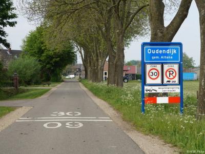 Oudendijk is een buurtschap in de provincie Noord-Brabant, in de regio West-Brabant, en daarbinnen in de streek Land van Heusden en Altena, gemeente Altena. T/m 2018 gem. Woudrichem. De buurtschap valt, ook voor de postadressen, onder de stad Woudrichem.