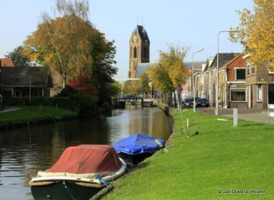 Blik op Oudewater, vanaf de oever van de Hollandse IJssel