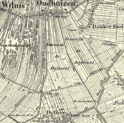 De met slechts ca. 50 huizen piepkleine gemeente Oudhuizen had wel een groot grondgebied, van het dorpje Oudhuizen in het N, O van Wilnis, tot de buurtschap Geer in het Z. De Oudhuizersluis, W van Geer, herinnert nog aan dit uitgestrekte grondgebied.