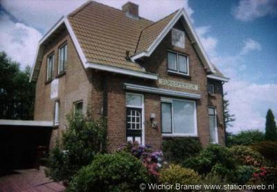 Oukoop, vroegere wachterswoning bij de voormalige stopplaats Oukooperdijk