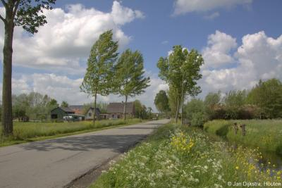 Buurtschap Overboeicop ligt aan de gelijknamige, kaarsrechte weg, met aan beide zijden boerderijen, een sloot en bloemrijke bermen.