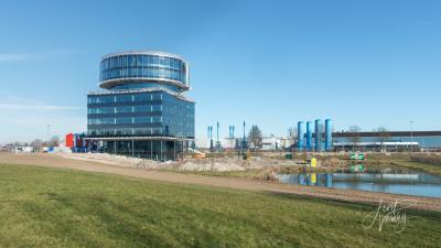 Eind 2018 is het nieuwe hoofdkantoor van Fokker, producent van vliegtuigonderdelen, in het gebied Slobbengors in Papendrecht opgeleverd. Het biedt ruimte aan 250 medewerkers. Zie verder het hoofdstuk Recente ontwikkelingen. (© Joost Verweij)