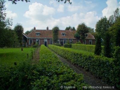 Peize, het voormalige diaconie-armenhuis aan de Vriesenweg