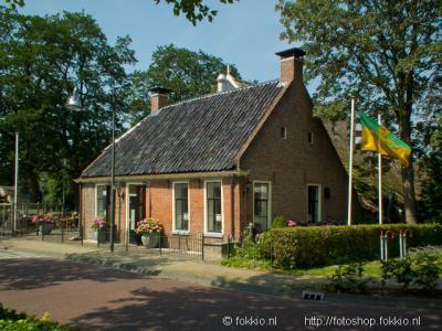 Peize, in de boerderij aan de Hoofdstraat 3 uit 1780 is restaurant de Peizer Hopbel gevestigd