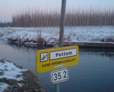 Pottum, kano-overdraagplaats aan de Linge
