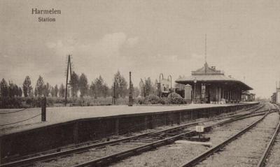 Van 1855 tot 1936 is er in buurtschap Putkop de halte Harmelen aan de spoorlijn Utrecht-Rotterdam. Helaas is in laatstgenoemd jaar ook het stationsgebouw afgebroken.