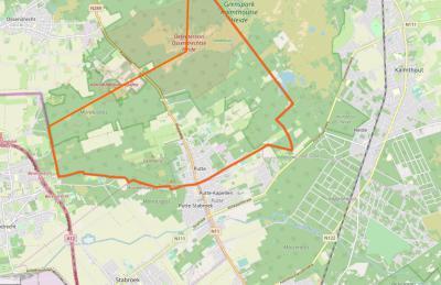 Op deze kaart is de driedeling van het dorp Putte goed te zien; binnen de oranje lijn is Nederlands grondgebied; Z ervan valt het W deel onder de Belgische gemeente Stabroek, en het O deel onder de Belgische gemeente Kapellen.