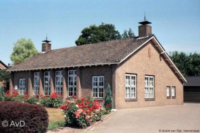 De Gereformeerde kerk van Radewijk is na de fusie tot PKN-gemeente aan de eredienst onttrokken en wordt herbestemd tot woonhuis.