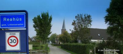 Reahûs is een dorp in de provincie Fryslân, gemeente Súdwest-Fryslân. T/m 1983 gemeente Hennaarderadeel. In 1984 over naar gemeente Littenseradiel, in 2018 over naar gemeente Súdwest-Fryslân.