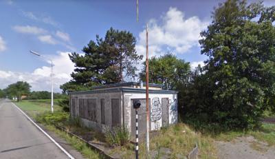 Het voormalige grenskantoortje in buurtschap Rhederbrug heeft na het opheffen van de grenscontroles decennialang leeggestaan en is in vervallen staat geraakt. Maar in 2019 wordt het gerestaureerd en herbestemd. Zie het hoofdstuk Bezienswaardigheden.