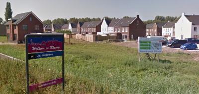 In 2017 is de woningnood in Rhenoy in een klap opgelost door het gereedkomen in dat jaar van nieuwbouwwijk De Oudenborch, met 80 woningen. (© Google)