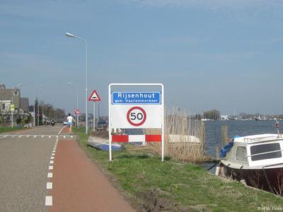 Rijsenhout is een dorp in de provincie Noord-Holland, gemeente Haarlemmermeer.