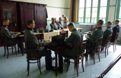 Rijsoord, in de school van Rijsoord is op 15 mei 1940 de capitulatie van Nederland getekend. In de school is de situatie van dat moment nagebouwd.