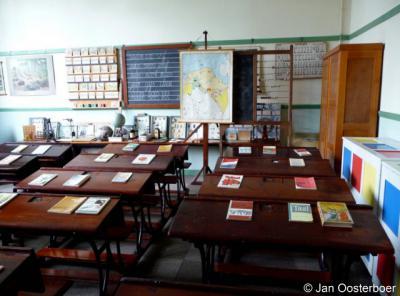 Rijsoord, schoolklas uit de jaren veertig in het museum.
