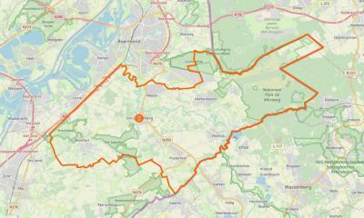 Gemeente Roerdalen t.o.v. de omgeving: de O helft grenst aan Duitsland, in het ZW grenst de gemeente aan de gem. Echt-Susteren, in het W aan gem. Maasgouw, in het NW aan Roermond. In het NO is Nationaal Park De Meinweg goed te onderscheiden. (© Google)