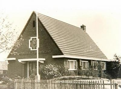 Het pand op Pôlle 6 in Rotsterhaule is een kerkje geweest van het Apostolisch Genootschap. Tegenwoordig is het een woonhuis en is nergens meer aan te zien dat het vroeger een kerkje is geweest.