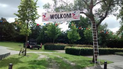 In Ryptsjerk hebben ze aan een feestweekend niet genoeg: daar bouwen ze in juni altijd een hele wéék feest!