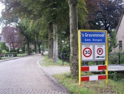 's Gravenmoer is de enige plaats in Nederland die met 's begint en zonder koppelteken wordt geschreven.