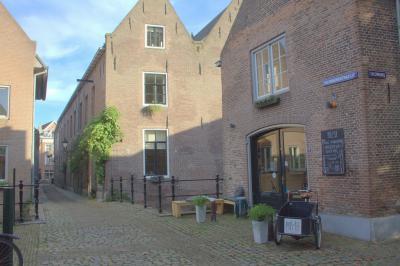 's-Hertogenbosch, Uilenburgstraatje (© Jan Dijkstra, Houten)