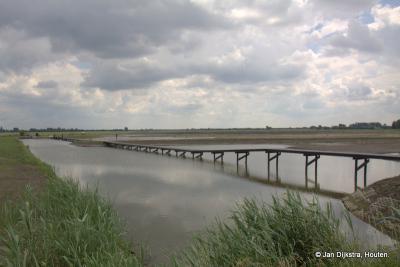 Weer wat moois op het Eiland van Schalkwijk erbij: een waterberging en inundatie aan de Achterdijk bij Schalkwijk, ook niet ver van Tull en 't Waal.