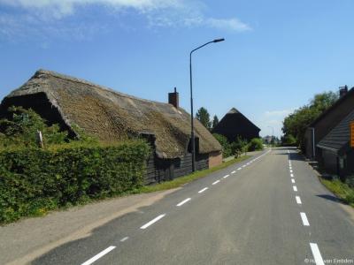 De boerderij op huisnr. 20 in de Werkendamse buurtschap Schans is een gemeentelijk monument.