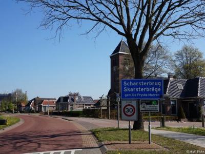 Scharsterbrug is een dorp in de provincie Fryslân, gemeente De Fryske Marren. T/m 1983 gemeente Doniawerstal. In 1984 over naar gemeente Skarsterlân, in 2014 over naar gemeente De Fryske Marren.