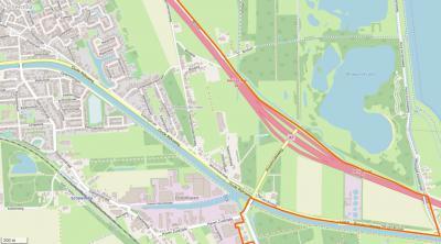 Tegenwoordig loopt de grens tussen dorpsgebieden van Scheemda en Midwolda ter plekke langs de A7. Daardoor valt de buurtschap Scheemdermeer tegenwoordig geheel onder het dorpsgebied van Scheemda. (© www.openstreetmap.org)