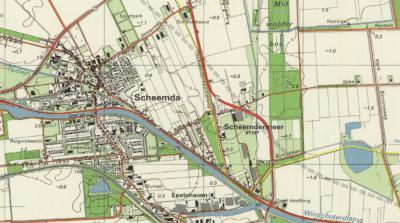 Buurtschap Scheemdermeer werd oorspronkelijk doormidden gesneden door de gemeentegrens tussen de gemeenten Scheemda W van de gele lijn (= de gemeentegrens) en Midwolda O ervan. Na de gemeentelijke herindeling van 1990 werd het geheel gemeente Scheemda.