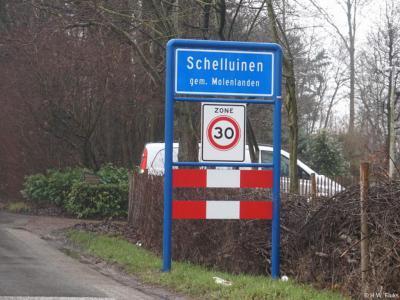 Schelluinen is een dorp in de provincie Zuid-Holland, in de streek Alblasserwaard, gemeente Molenlanden. Het was een zelfstandige gemeente t/m 1985. In 1986 over naar gemeente Giessenlanden, in 2019 over naar gemeente Molenlanden.