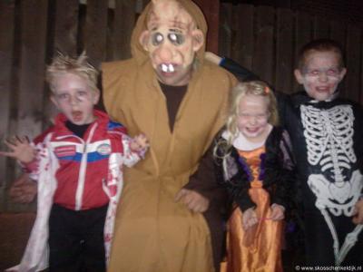 Een van de jaarlijkse evenementen in Schenkeldijk is Halloween. Deze foto is van Halloween 2013.