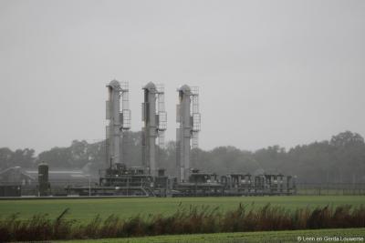 Dit is een van de huidige installaties waarmee de olie in de omgeving van Schoonebeek tegenwoordig uit de grond wordt gehaald.