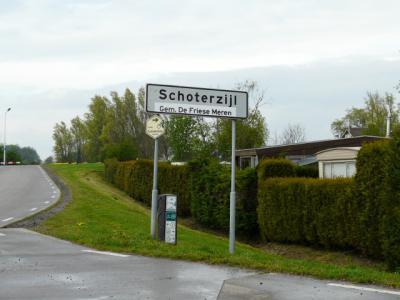 De Schoterzijl heeft al heel wat meegemaakt qua gemeenten: oorspronkelijk gemeente Schoterland, per 1-7-1934 gemeente Haskerland, per 1-7-1944 gemeente Lemsterland, per 2014 gemeente De Friese Meren, per 1-7-2015 naamswijziging: De Fryske Marren.
