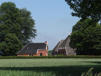 Monumentaal boerderijenensemble bij Schouwerzijl (© Harry Perton/https://groninganus.wordpress.com)