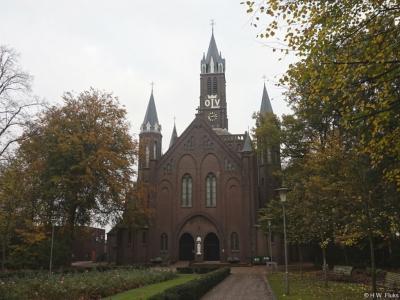 Buurtschap 't Heike wordt dorp Sint Willebrord door de bouw van de H. Willibrorduskerk in 1841. De huidig kerk dateert uit 1925.