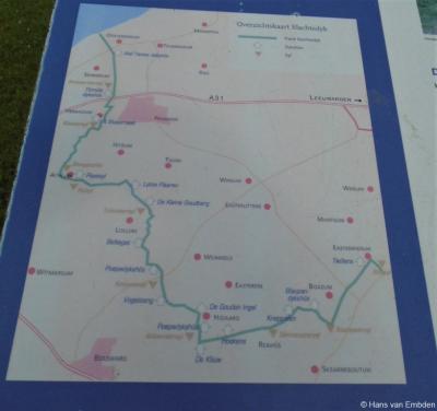 De 42 km lange Slachtedyk loopt tussen Oosterbierum en het dorp dat tot 1993 Oosterwierum heette (sinds 1993 Easterwierrum). De dijk valt deels onder de gemeente Waadhoeke, deels onder de gemeente Súdwest-Fryslân. Zie verder het hoofdstuk Evenementen.