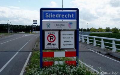 Sliedrecht is een dorp en gemeente in de provincie Zuid-Holland, in de streek Alblasserwaard en de regio Drechtsteden.
