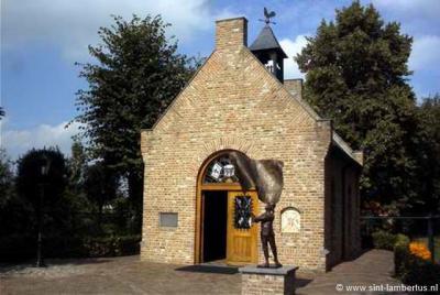 In Someren-Eind is in 1995 de Sint Lambertuskapel gebouwd. Op zich al bijzonder in deze tijden van ontkerkelijking. Nog bijzonderder is dat de kapel geheel uit tweedehands - maar wel heel bijzondere - materialen is opgebouwd. Zie kopje Bezienswaardigheden
