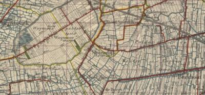Tot de gemeentelijke herindelingen van 1979 viel het dorpsgebied van Spierdijk nogal Baarle-Nassau-achtig onder drie gemeenten. Voor nadere informatie zie onder Status en onder Statistische gegevens.