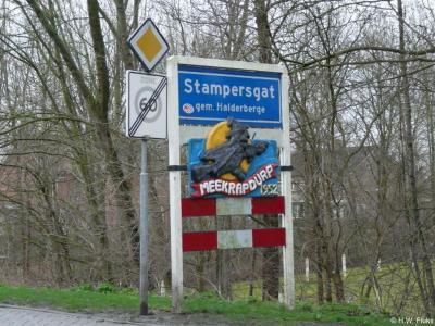 Stampersgat is een dorp in de provincie Noord-Brabant, in de regio West-Brabant, en daarbinnen in de streek Baronie en Markiezaat, gemeente Halderberge. T/m 1996 gemeente Oud en Nieuw Gastel. Tijdens carnaval heet het dorp Meekrapdurp.