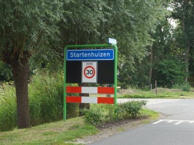 Startenhuizen is een buurtschap in de provincie Groningen, in de streek Hoogeland, in deels gemeente Het Hogeland, deels gemeente Eemsdelta. (© H.W. Fluks)