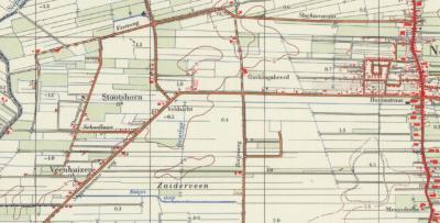 Rond 1970 besluiten de kaartenmakers ineens om Veenhuizen als plaatsnaam te introduceren én te 'verhuizen' naar het Z van de Sappemeersterweg. Dat is dubbel fout: 1) is het geen plaats(naam) en 2) ligt de vroegere buitenplaats niet daar. (© Kadaster)