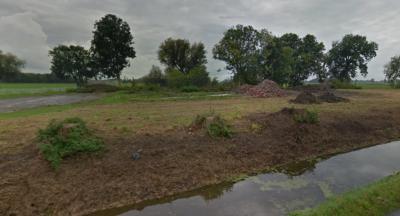 Naast hoeve Stork in 2011, is in 2014 blijkbaar ook hoeve Spriknust afgebroken, getuige de desolate toestand die wij daar in oktober 2014 aantroffen...