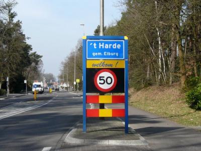 't Harde is een dorp in de provincie Gelderland, in de streek Veluwe, gemeente Elburg. T/m 1973 grotendeels gemeente Doornspijk, deels gemeente Oldebroek. (© H.W. Fluks)