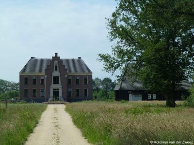 Op Landgoed het Clooster in buurtschap 't Klooster bij Aalten is in 2015 een imposante woonvilla (adres: Heidedijk 8) gerealiseerd.