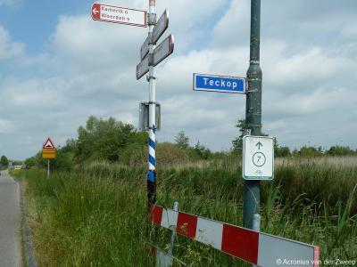 Teckop is een buurtschap in de provincie Utrecht, gemeente Woerden. Het was een zelfstandige gemeente t/m 1811. De buurtschap Teckop heeft geen plaatsnaamborden meer, zodat je slechts aan de straatnaambordjes kunt zien dat je er bent aangekomen.