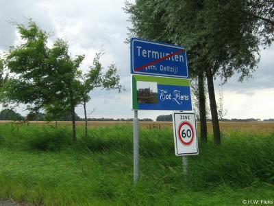 Termunten is een dorp in de provincie Groningen, in de streek Hoogeland, gemeente Delfzijl. Het was een zelfstandige gemeente t/m 1989.