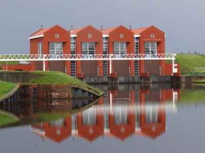 Het imposante Gemaal Rozema in Termunterzijl is in 2000 gereedgekomen. (© Harry Perton/https://groninganus.wordpress.com)