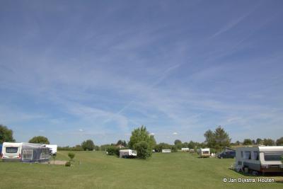 In uiterwaard De Koekoekswaard bij Tienhoven aan de Lek ligt een grote camping. Natuur en recreatie gaan daar hand in hand.