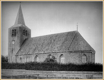 De vroegere kerk van Easterwierrum, gebouwd in de 14e eeuw, op de foto in 1902.